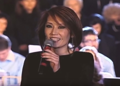 Lu Ye: Ave Maria by Bach/Gounod for Pope Francis Birthday Christmas Concert in Rome Italy in Dec 2013